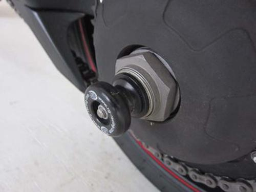 Rear Spindle Sliders, Triumph Tiger 1050 SPORT